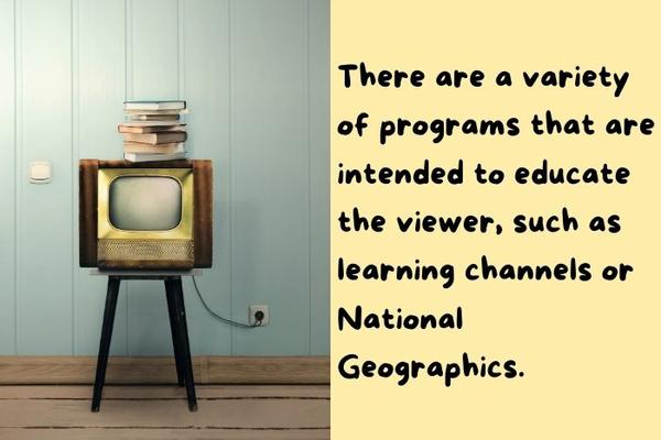 An old tv illustrating that watching TV can help get better at trivia quiz.