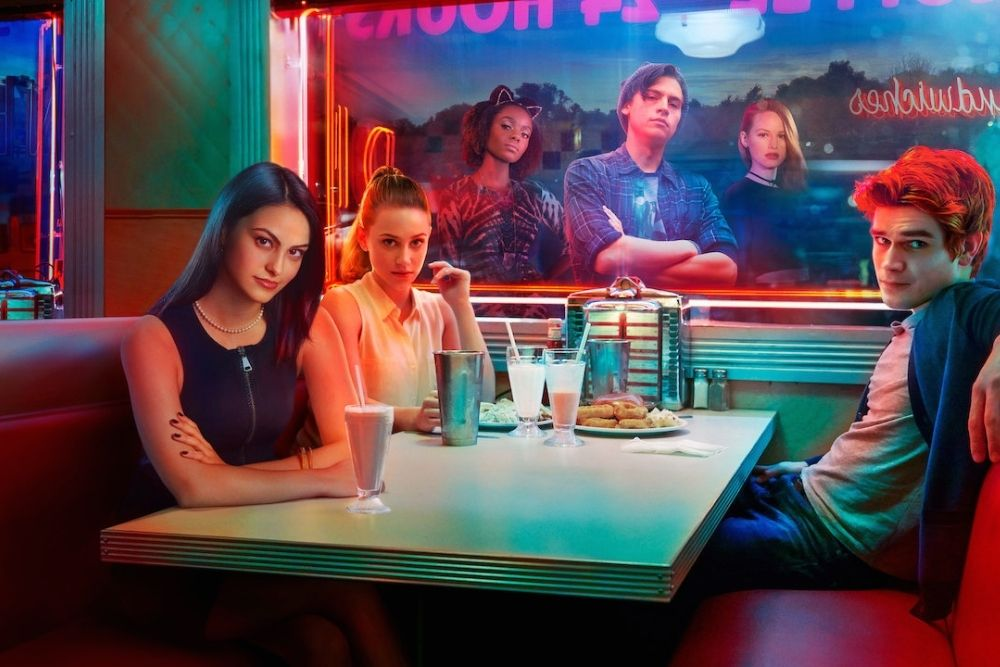 Riverdale characters in the local diner.
