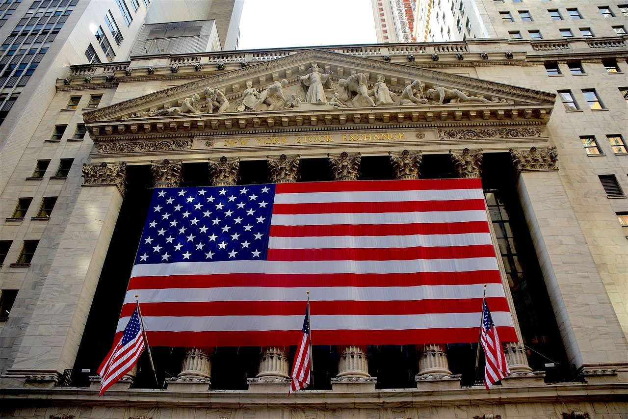 The US flag on the stock exchange building.