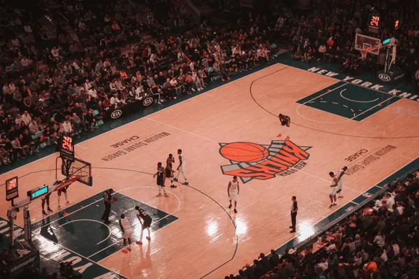 Knicks NBA game on the Madison Square Garden.