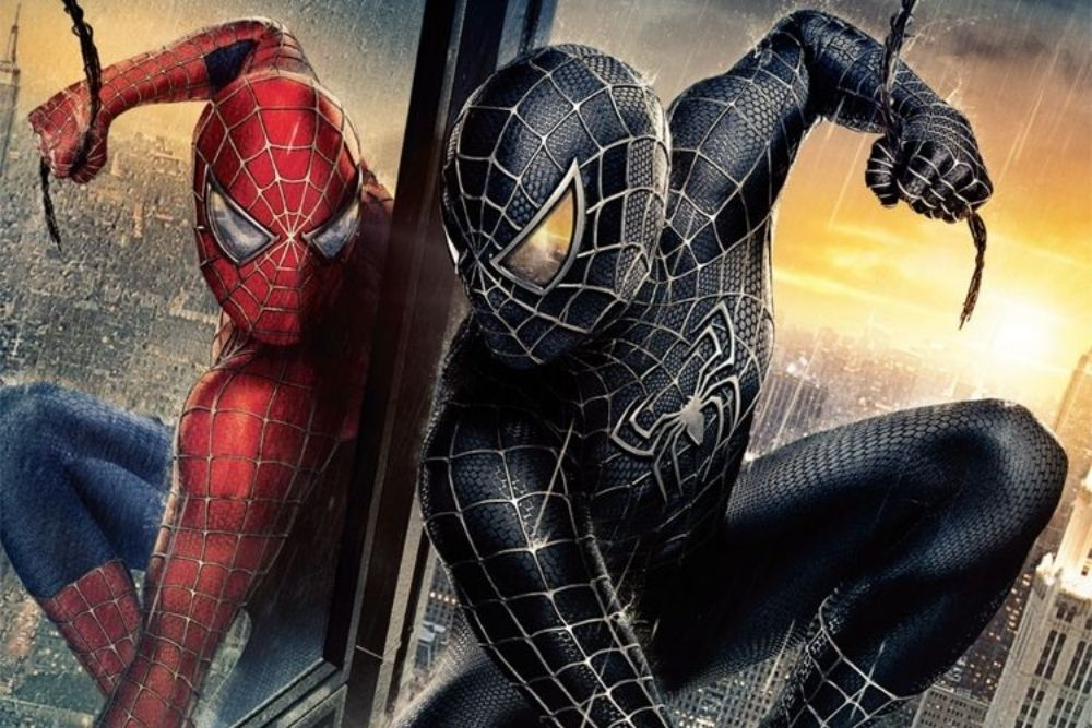 Spiderman and Venom jumping between buildings, in an official poster of a movie.