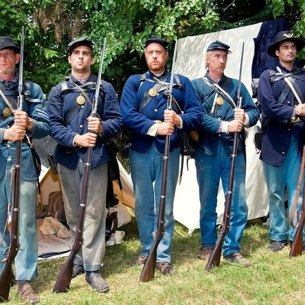 American Civil War soldiers.