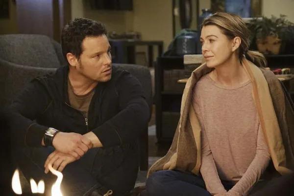 Grey's Anatomy - Alex & Meredith Romance.
