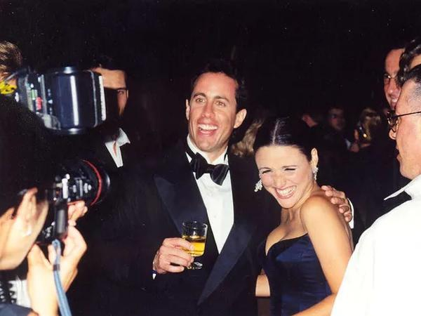 Jerry Seinfeld and Julia Louis Dreyfus in a party