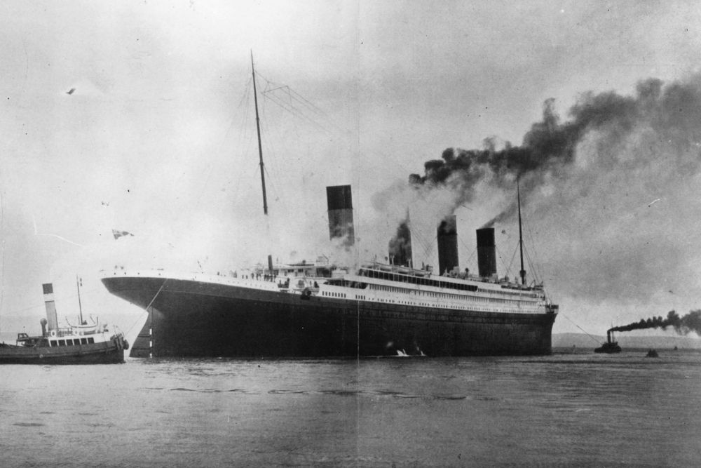 The Titanic in a black and white image.